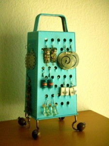 old grater recycling idea