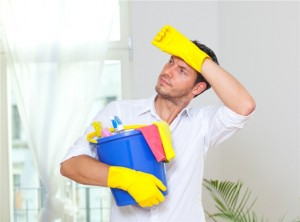 men v women cleaning