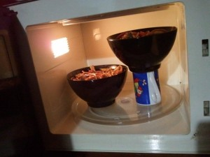 how to fit 2 bowls into a microwave