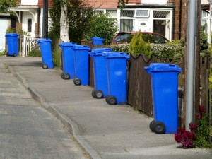 A team of bin inspectors are to walk the streets inspecting the blue bins of Stoke-on-Trent residents